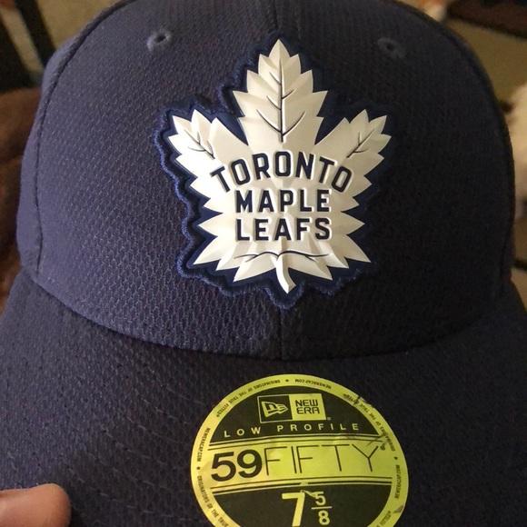 Toronto maple leafs hat. NWT. New Era 5f18b1a9314